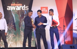 Paradise Island Resort, May 5, 2018: Runner Hassan Saaid (L), who won first place in Men's Individual Sports, shakes hands with the second and third place winners, badminton player Hussain Zayan Shaheed Zaki (C) and middle-distance runner Zaid Shareef. PHOTO/IMAGES.MV