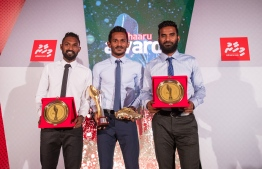 """Paradise Island Resort, May 5, 2018: Ali """"Sentey"""" Fasir (C), Mohamed Umair (L) and Ali """"Dhagandey"""" Ashfaq, who win first, second and third place in Football respectively. PHOTO/IMAGES.MV"""
