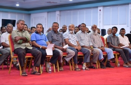 Participants of the forum held to discuss taxi fares in Maldives. PHOTO: HUSSAIN WAHEED / MIHAARU